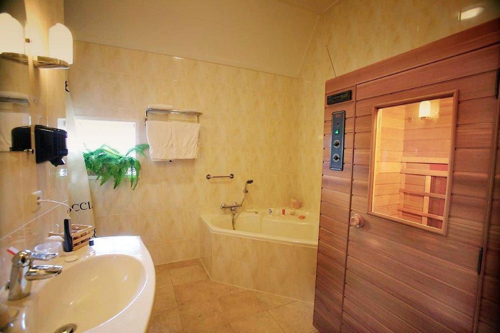 Scandinavische kamer herberg sellingen - Badkamer in een kamer ...